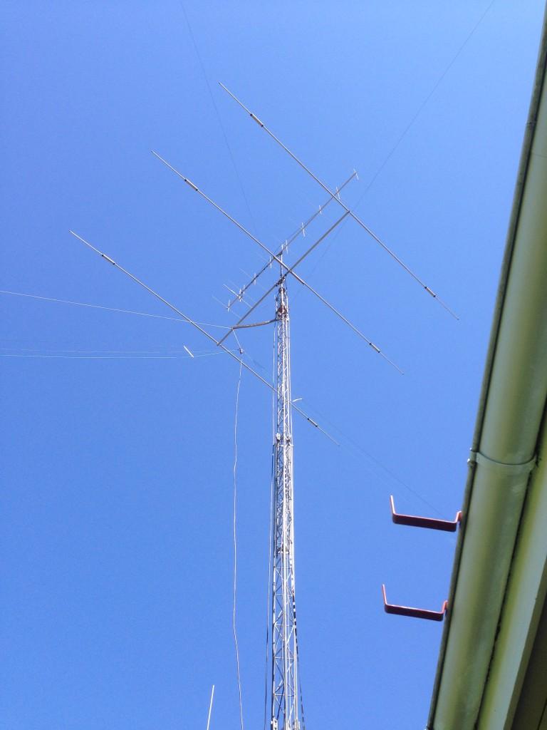Antennfarm hos högspänningselektrikern och åskjägaren  Bengt, SM3AAE, i Forse väster om Sollefteå.