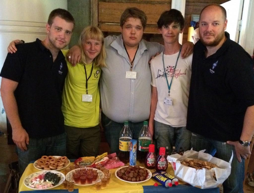 Just nu deltar ett ungdomsteam från Sverige på YOTA 2014 i vårt grannland Finland. Lägret pågår 15-22 juli.  Vi uppdaterar ungdomssidan löpande under veckan. På bilden fr.v. Mattias, Sofie, Markus, Joakim och ungdomskoordinator Johan.