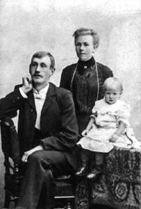 Familjebild Nils och Alma Paulsson